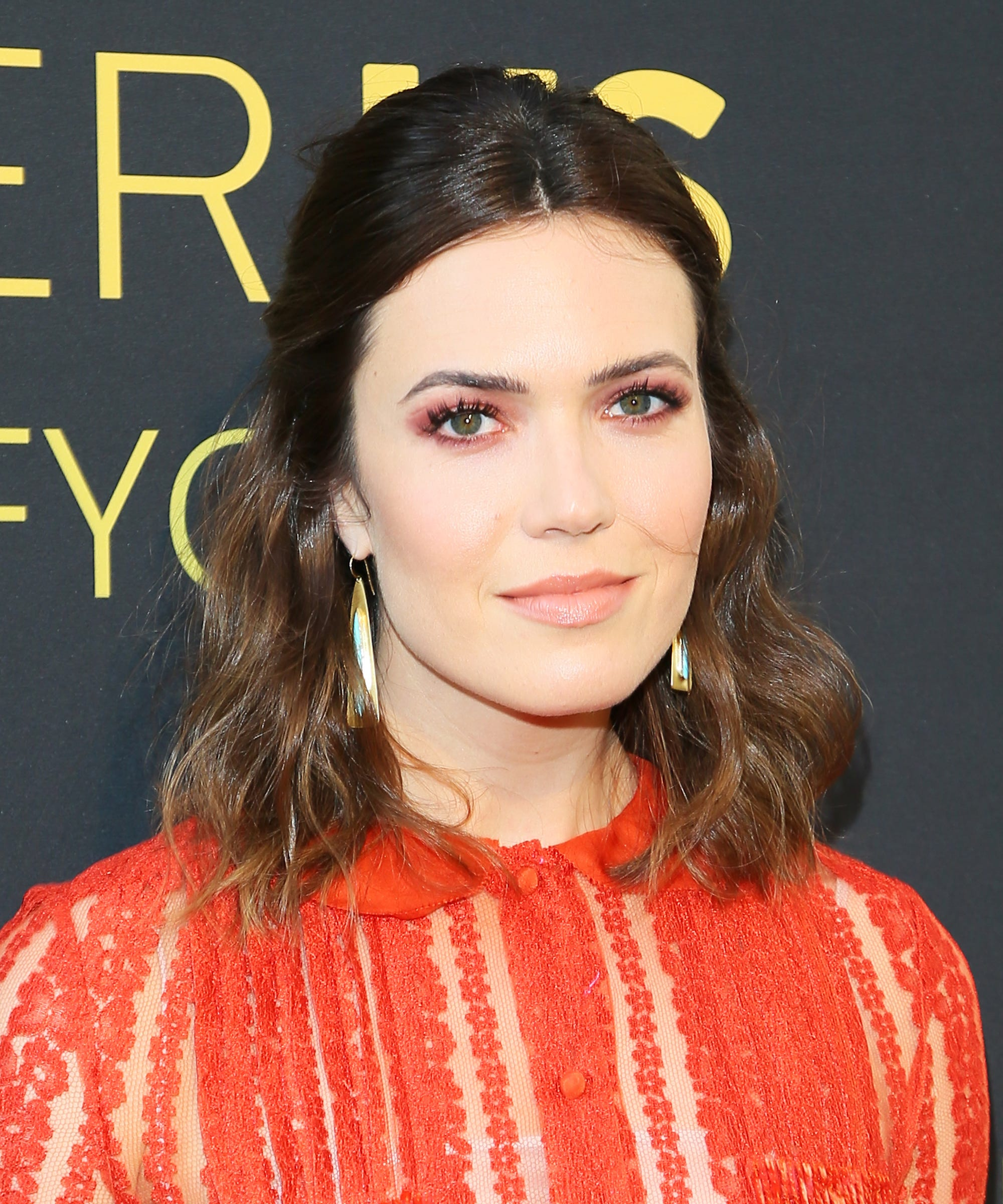 Mandy moore hair makeup trends looks over the years baditri Image collections