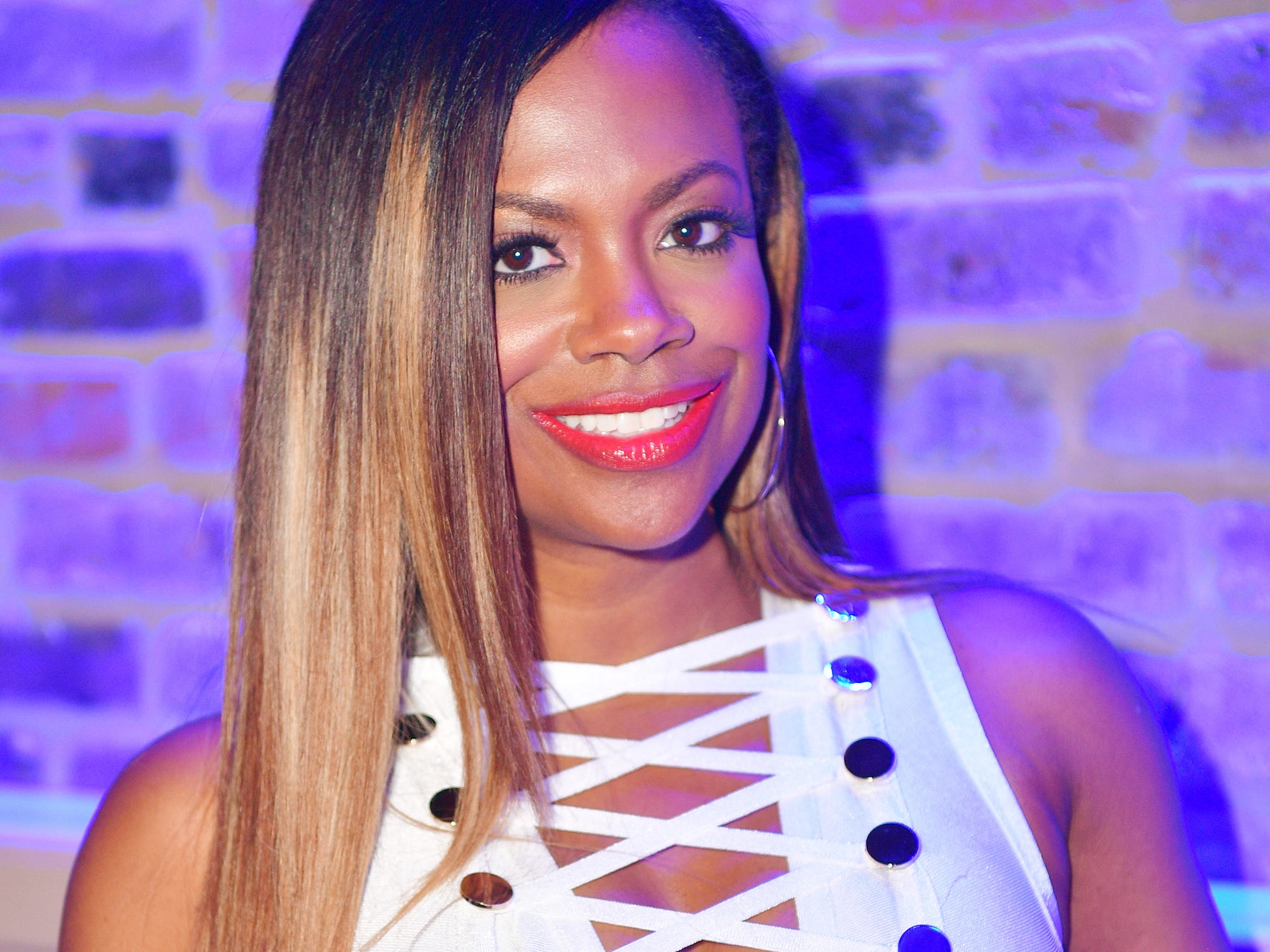 Kandi Burruss Has Been On A Hair Dye Box For 20 Years