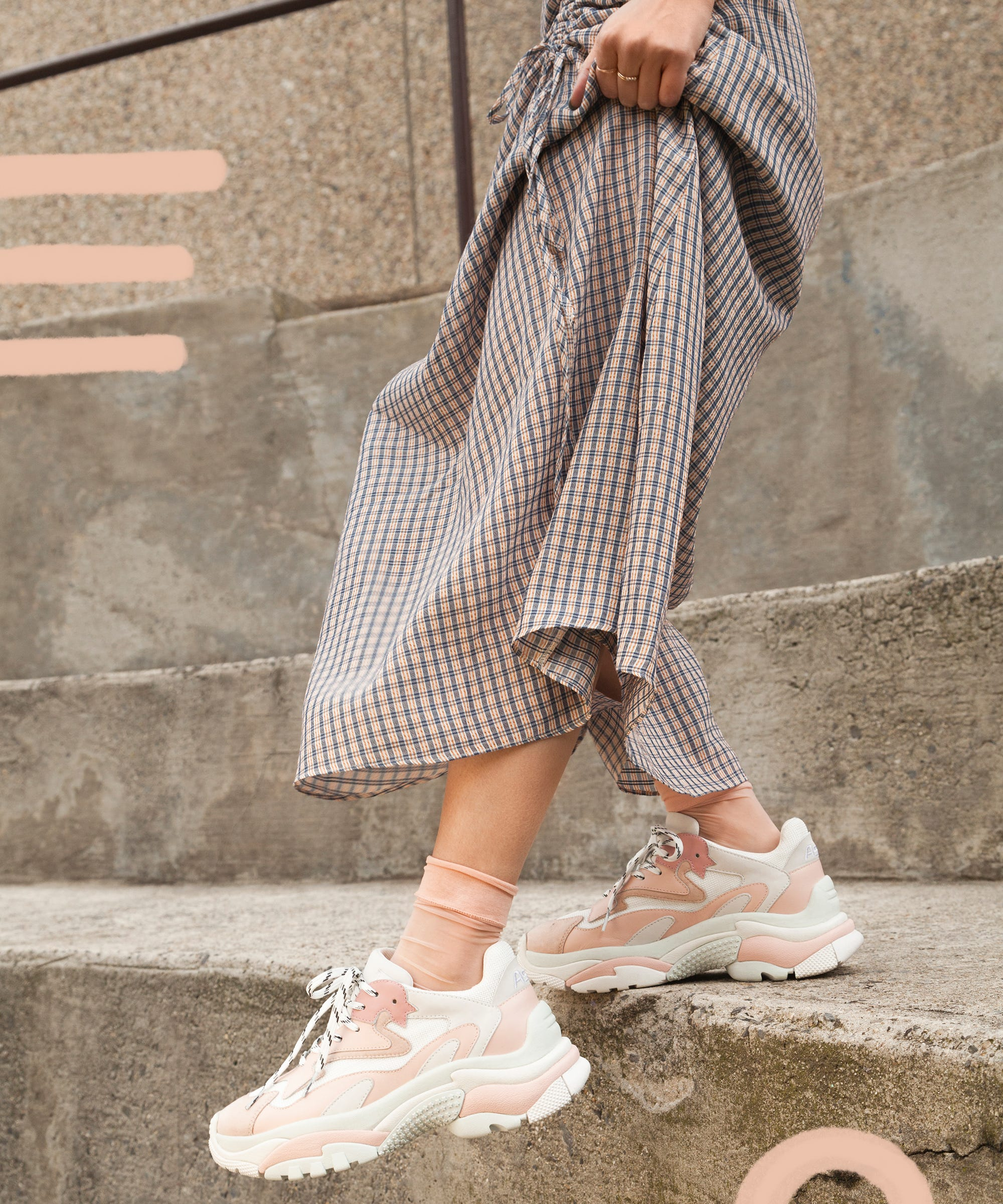 bea3b455 How To Wear Athletic Ugly Chunky Sneakers Spring Trend