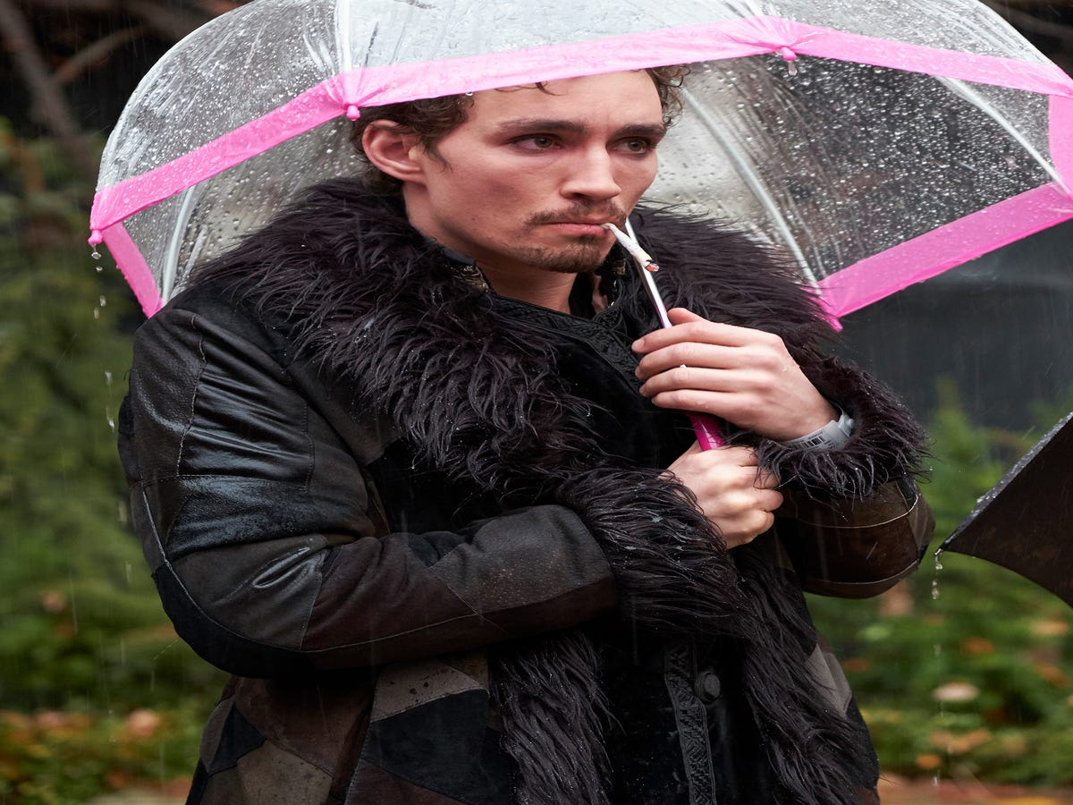 A Very Scientific Explanation For Why You're Hopelessly Obsessed With Umbrella Academy's Klaus