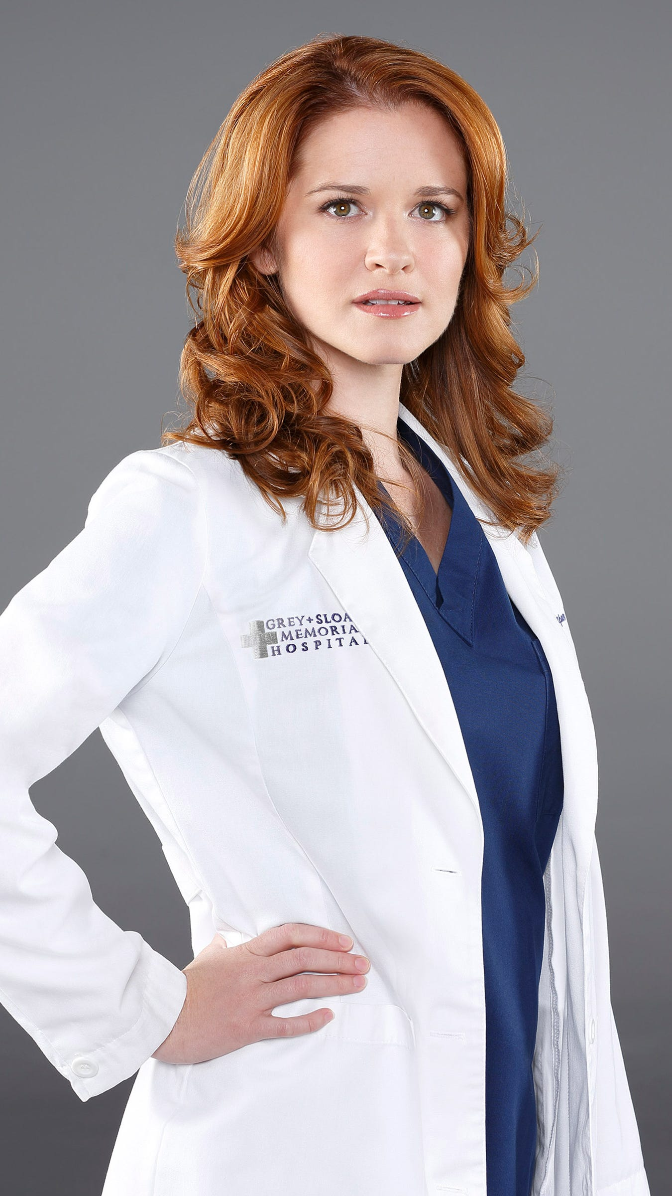 Greys Anatomy Actress Sarah Drew Gets Series Wrap Gift