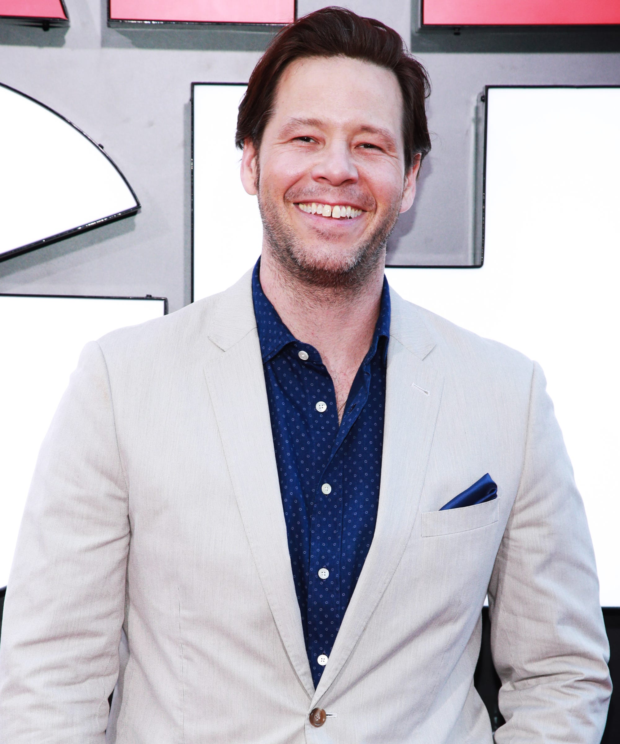 Is Ike Barinholtz's Late Night Character Based On... Dane Cook?