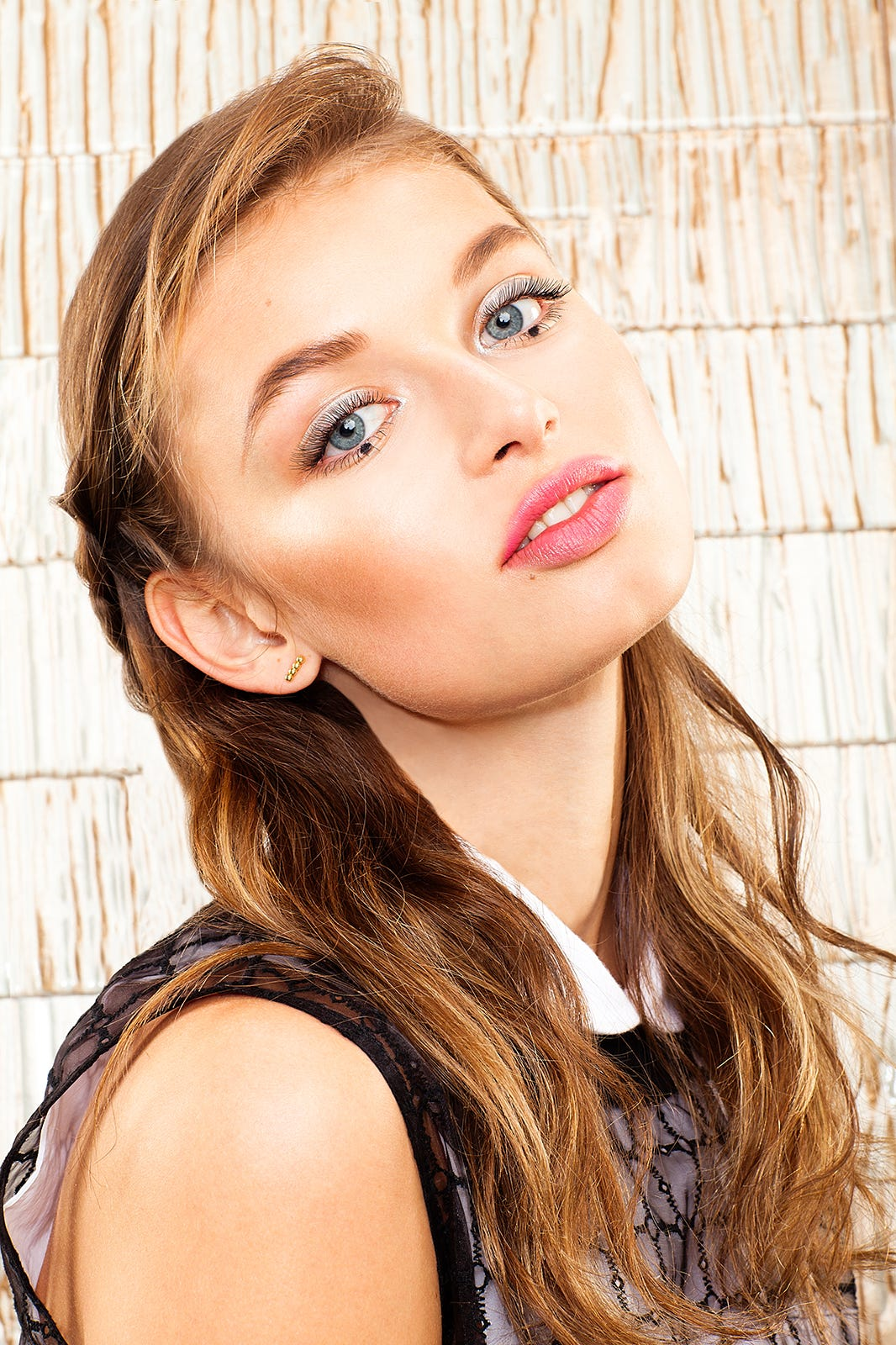 Edgy Beauty Looks Daring Makeup Spring 2015
