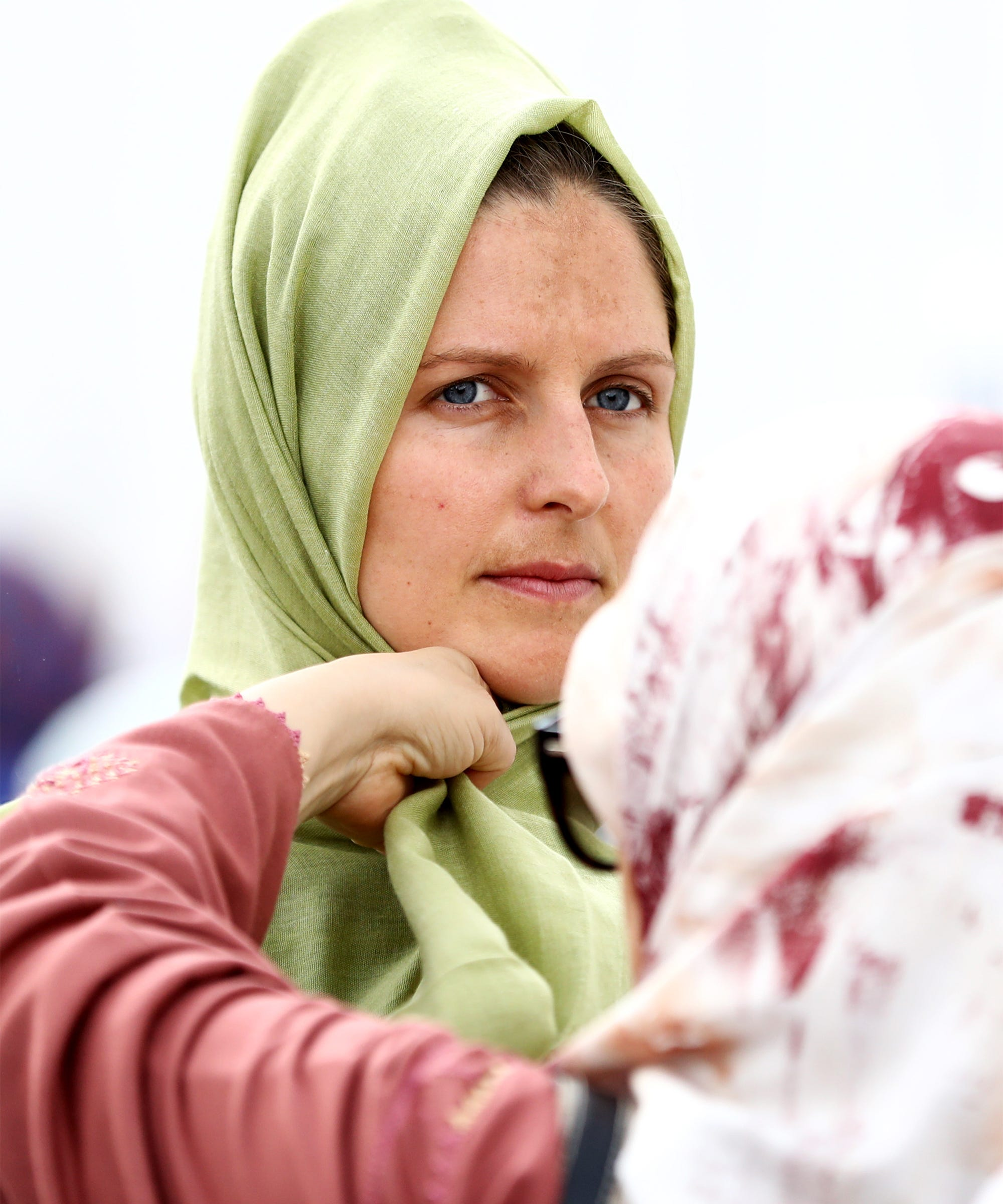 New Zealand Women Wear Headscarves To Support Muslims After Christchurch Shooting
