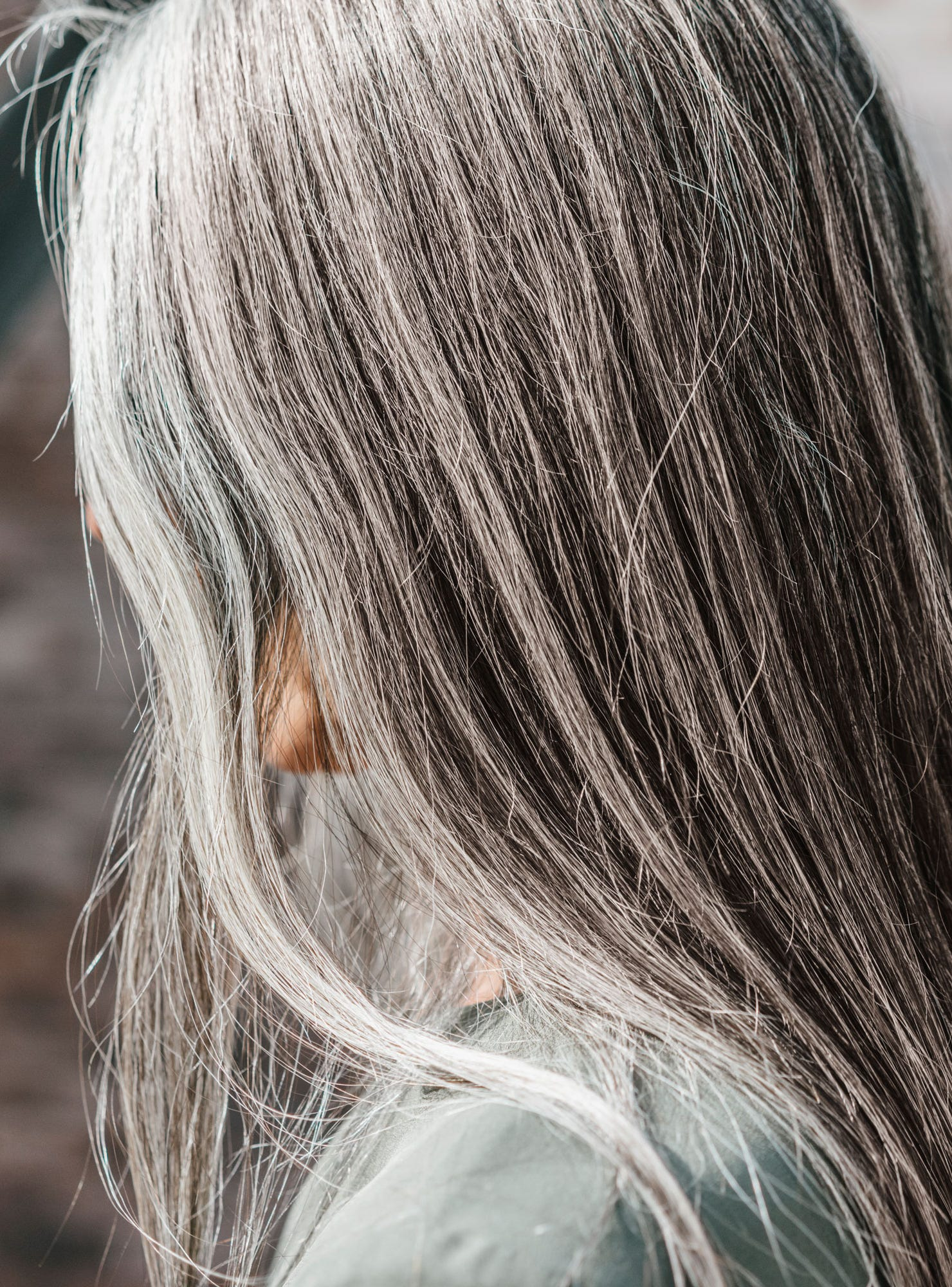 The Young Women Embracing Their Gray Hair Early