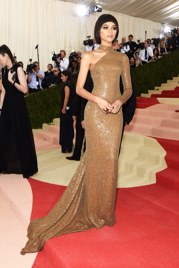 2ced43149a Best Dressed Met Gala 2016 Red Carpet Outfits Photos