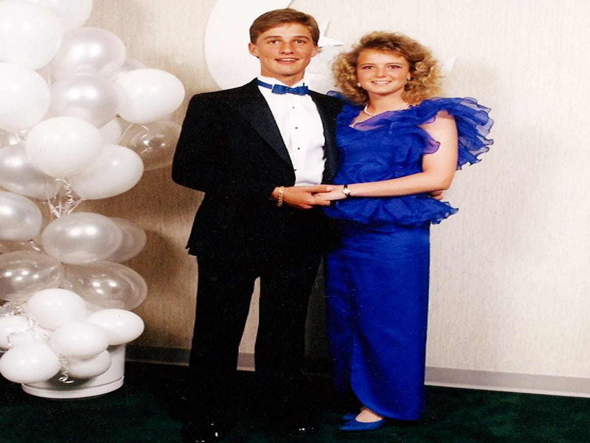 14 Adorably Awkward Celebrities At Prom