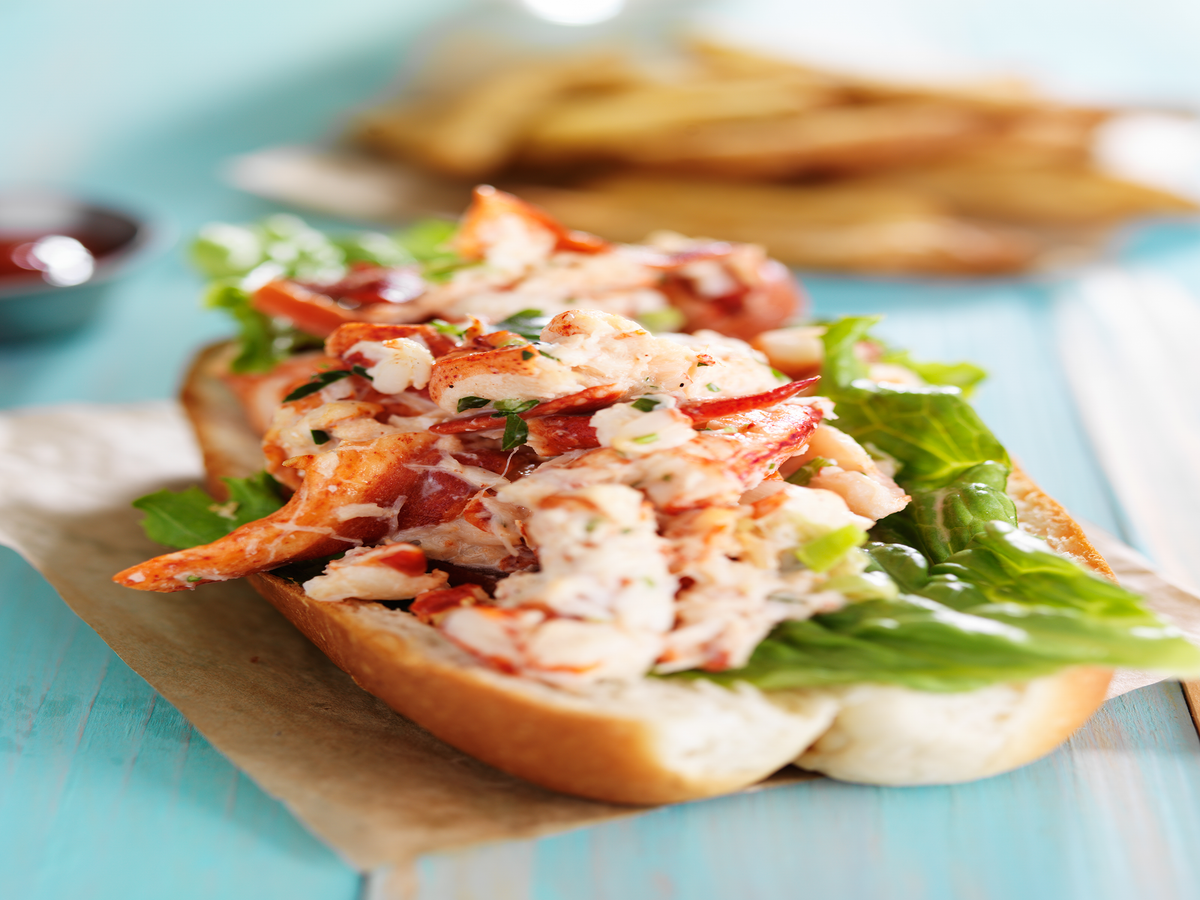 Where To Get The Best Lobster Roll In NYC This Summer