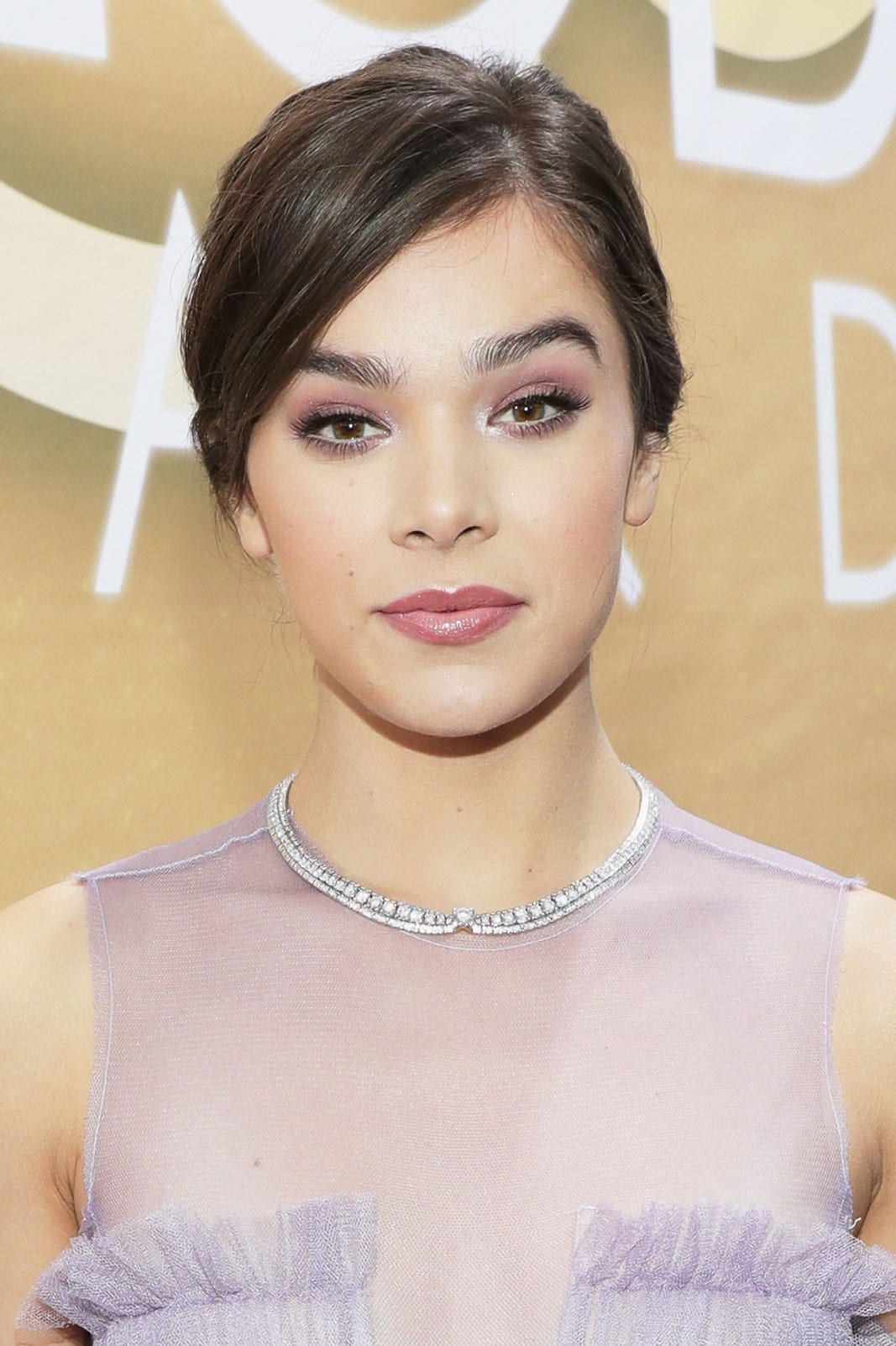 Communication on this topic: Best Beauty Looks from Golden Globes 2019, best-beauty-looks-from-golden-globes-2019/