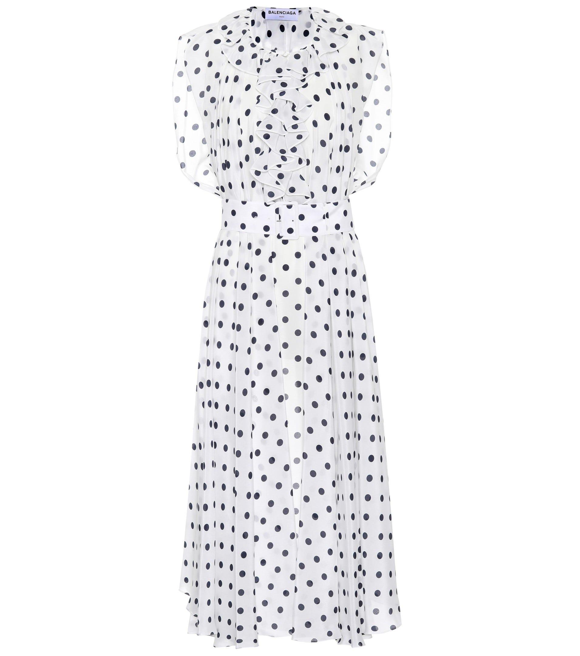 d677427d11f4f Cute Ways To Wear The Polka Dot Trend Winter 2018