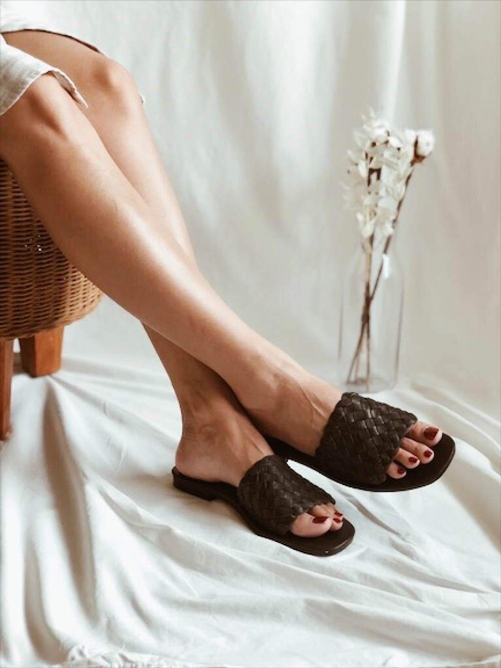 a3389899b Best Slide Sandal Flip Flop Alternatives On Tictail