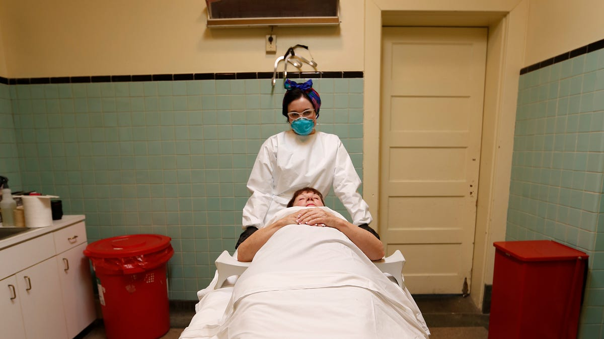 The job of mortician in the united states