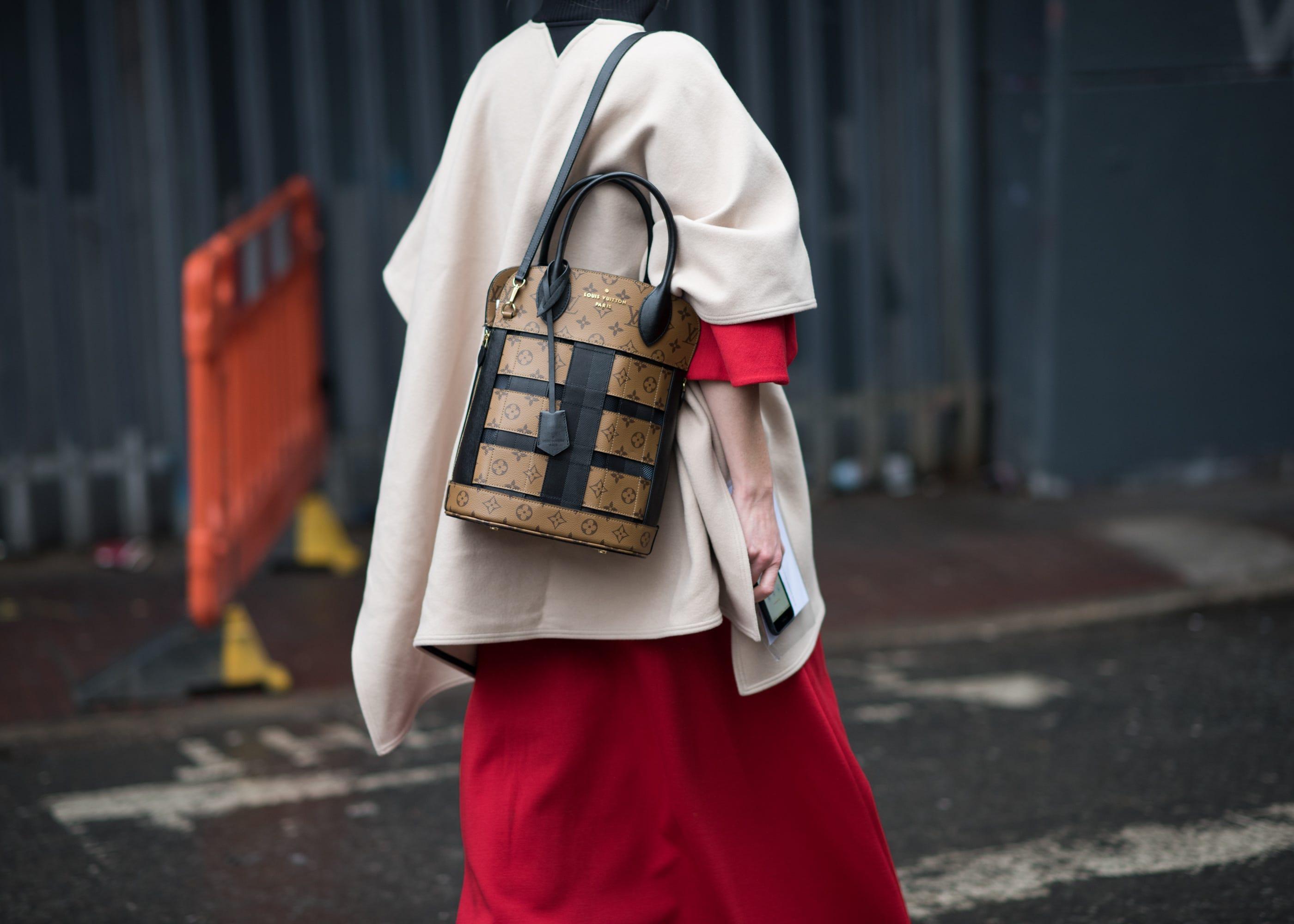 a8e69d0885 London Fashion Week Fall 2018 Best Street Style