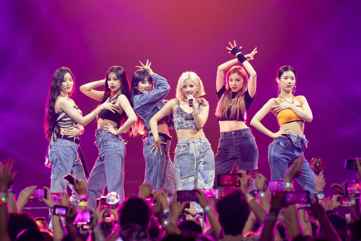 K-Pop (G)I-dle Are Unafraid To Grab The Mic: Interview