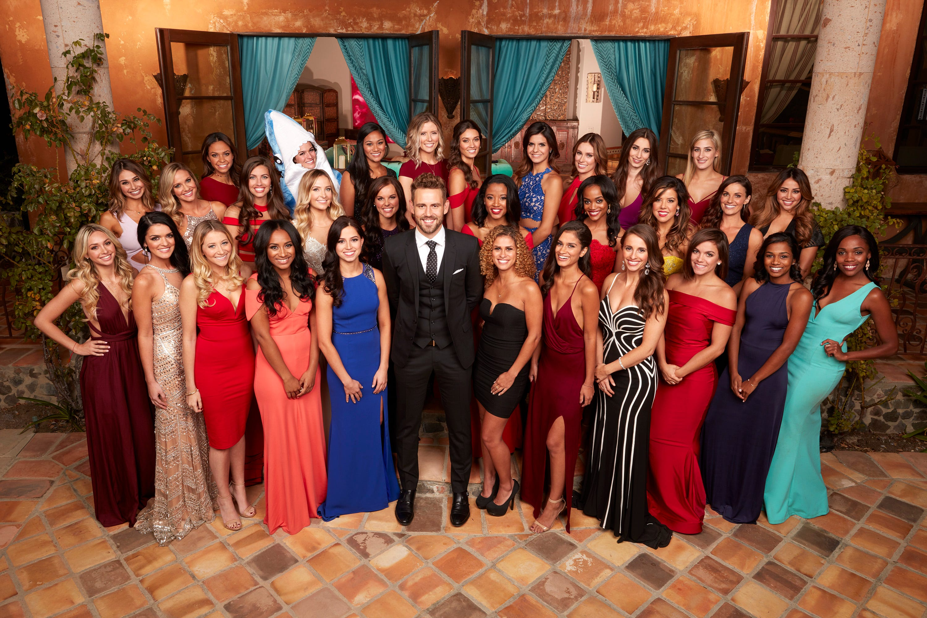 Heres What The Bachelor Stars Really Eat While Filming