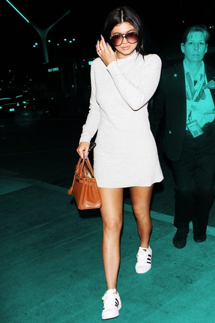 Kylie Jenner Sneakers Travel Outfit f492e6ea0