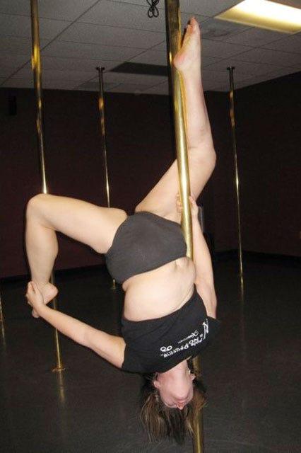 Milf Pole Dance 1