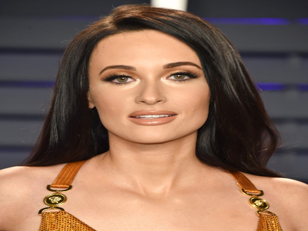 The $39 Volumizing Spray Behind Kacey Musgraves  Country Hair