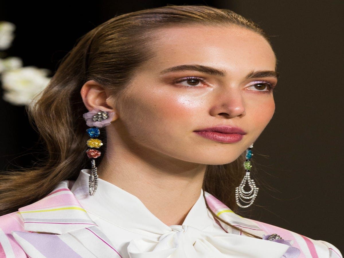3 Fashion Week Hair Trends That Look Even Better Off The Runway