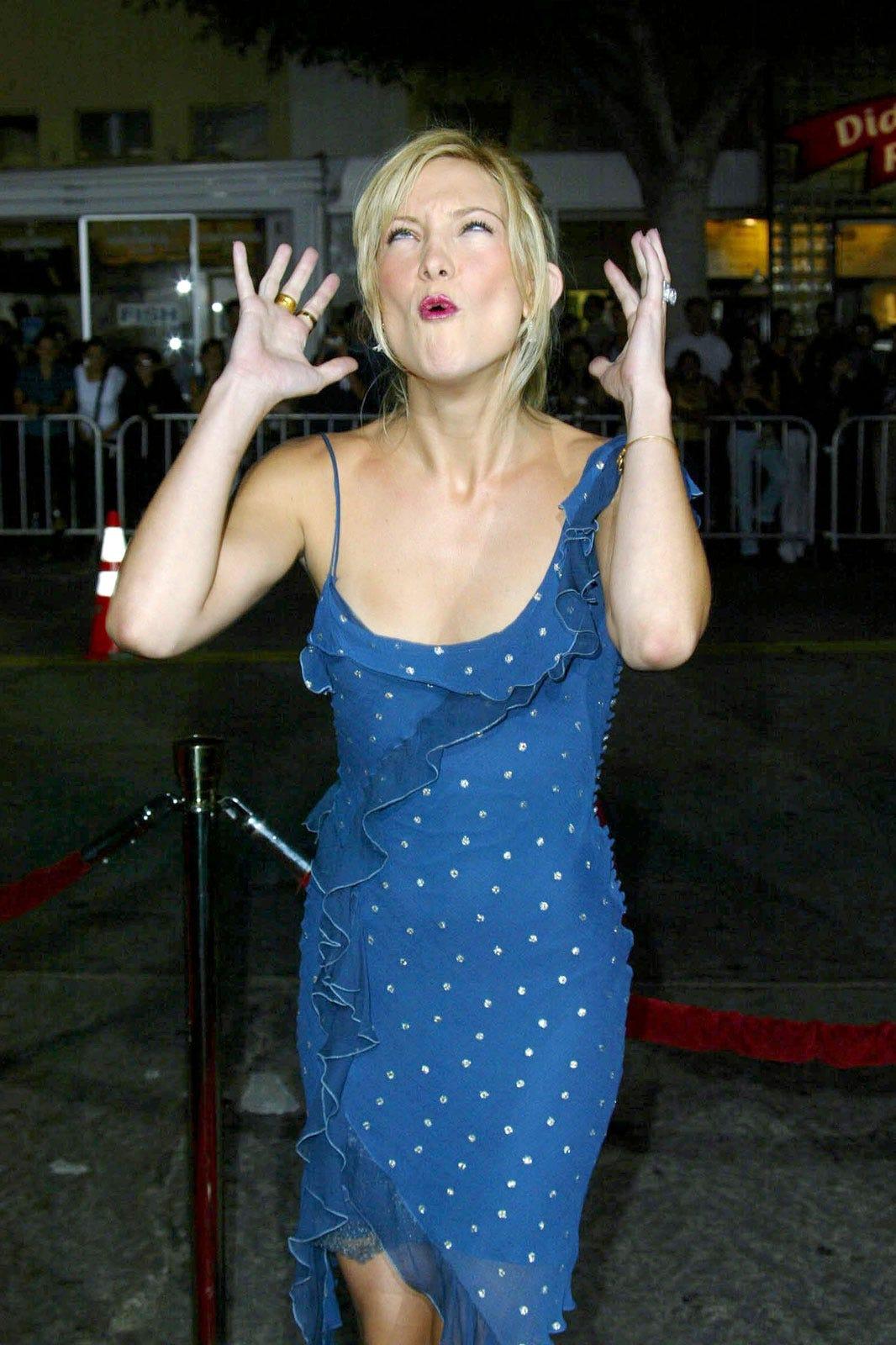 Funny Red Carpet Pics - Celebrity Wardrobe Malfunctions