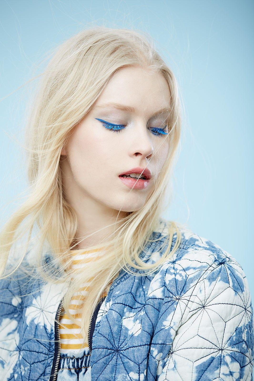 Blue Makeup Eyeshadow Eyeliner Lipstick