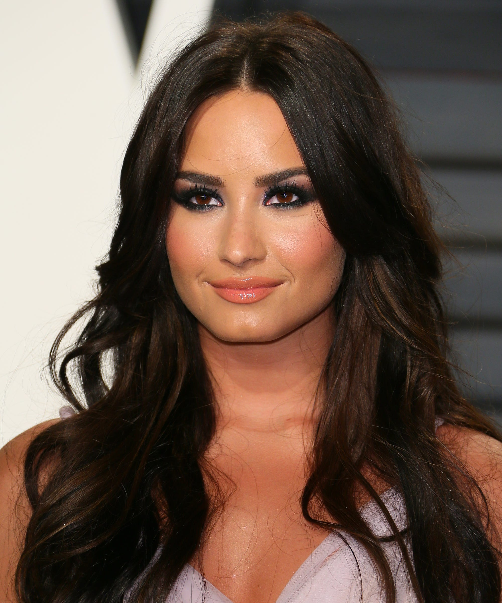 Demi Lovato Hair Red Carpet Styles Over The Years