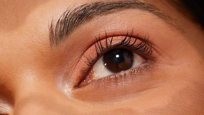 Does Castor Oil Work For Eyebrow And Eyelash Growth?
