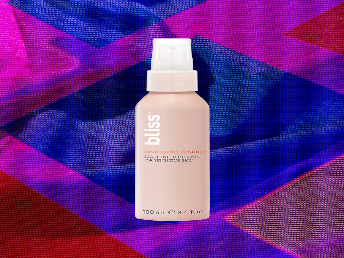There s A Right & A Wrong Way To Use Your Favorite Face Mist