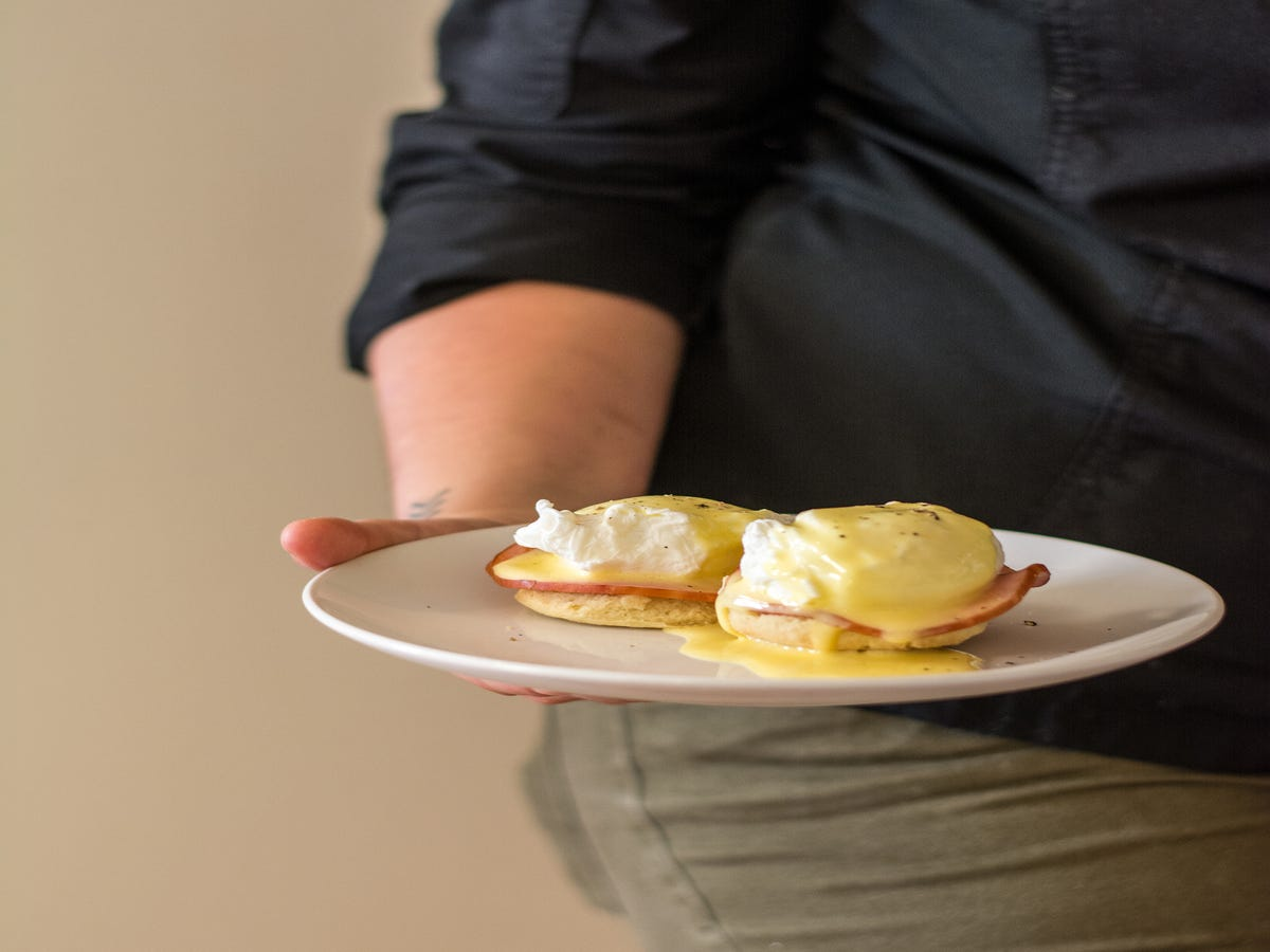 The Eggs Benedict Recipe So Easy, I Made It In A Terrible NYC Kitchen