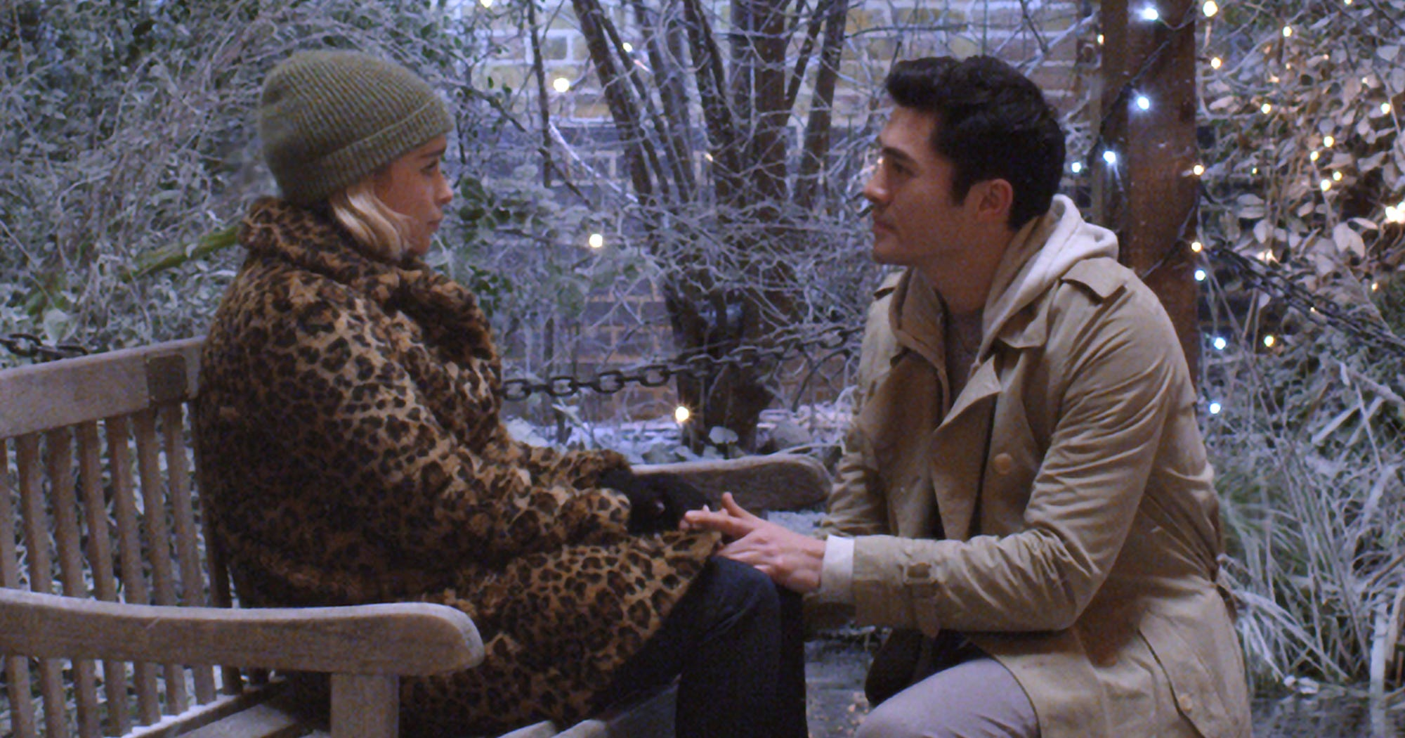 "Emilia Clarke Is A Drunk Elf Falling In Love With Henry Golding In ""Last Christmas"" Trailer"
