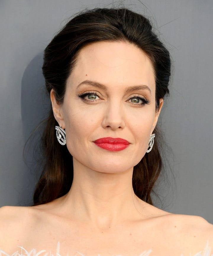 Angelina Jolie Dermatologist S...