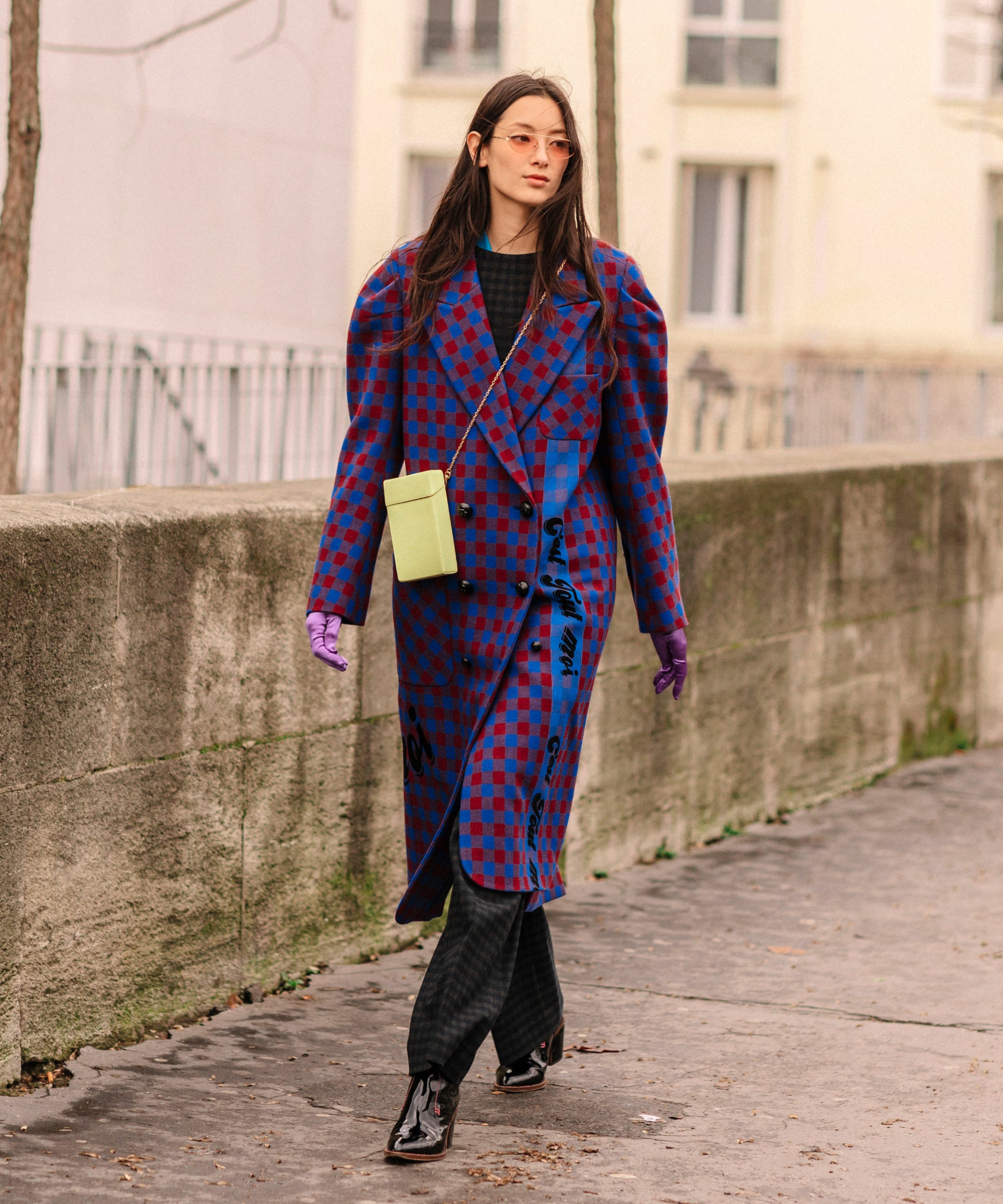 62bb0edfaa3c The Street Style At Paris Fashion Week Is Making Us Rethink Our Closet