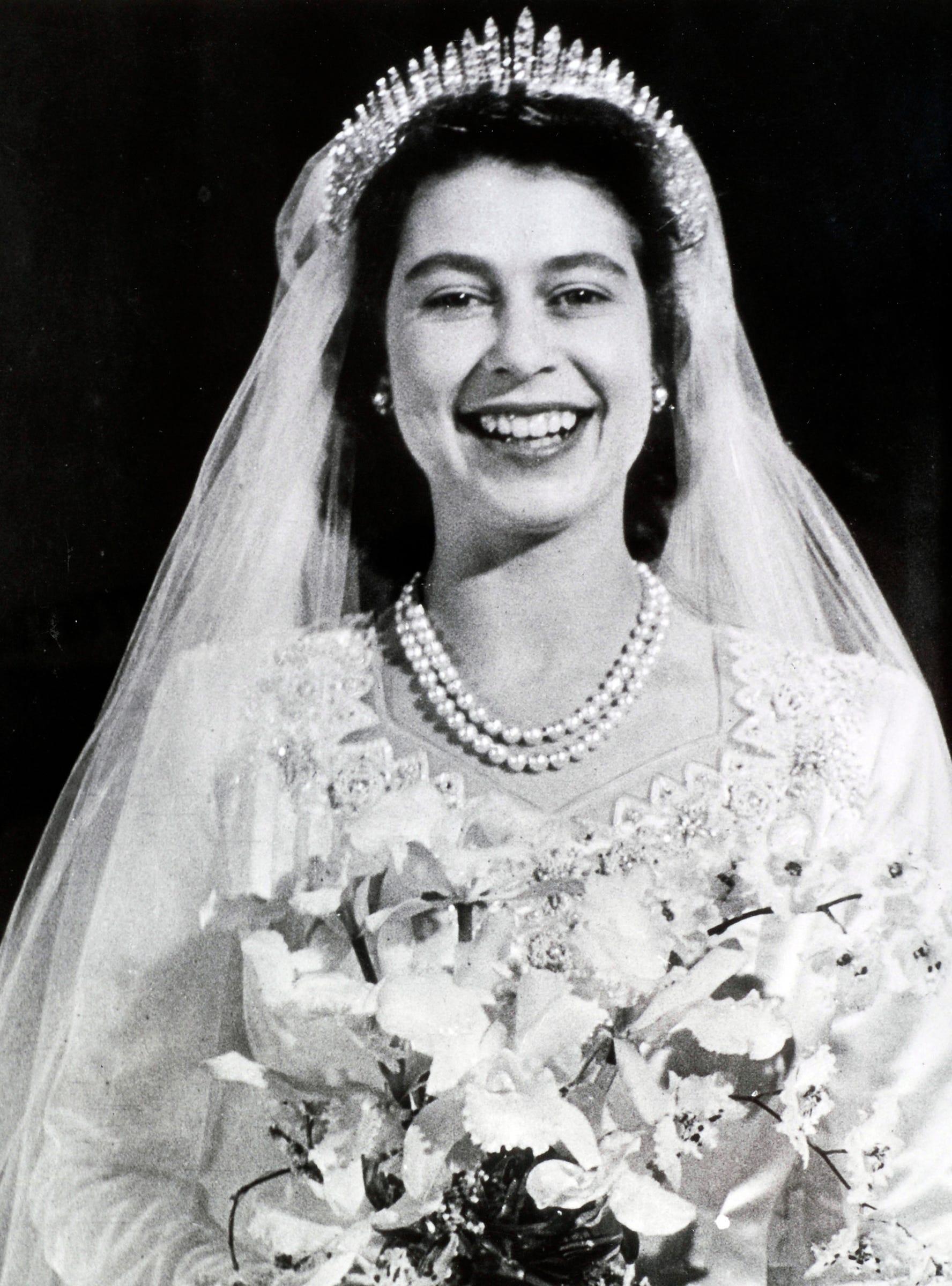 """Résultat de recherche d'images pour """"wedding  queen elizabeth"""""""