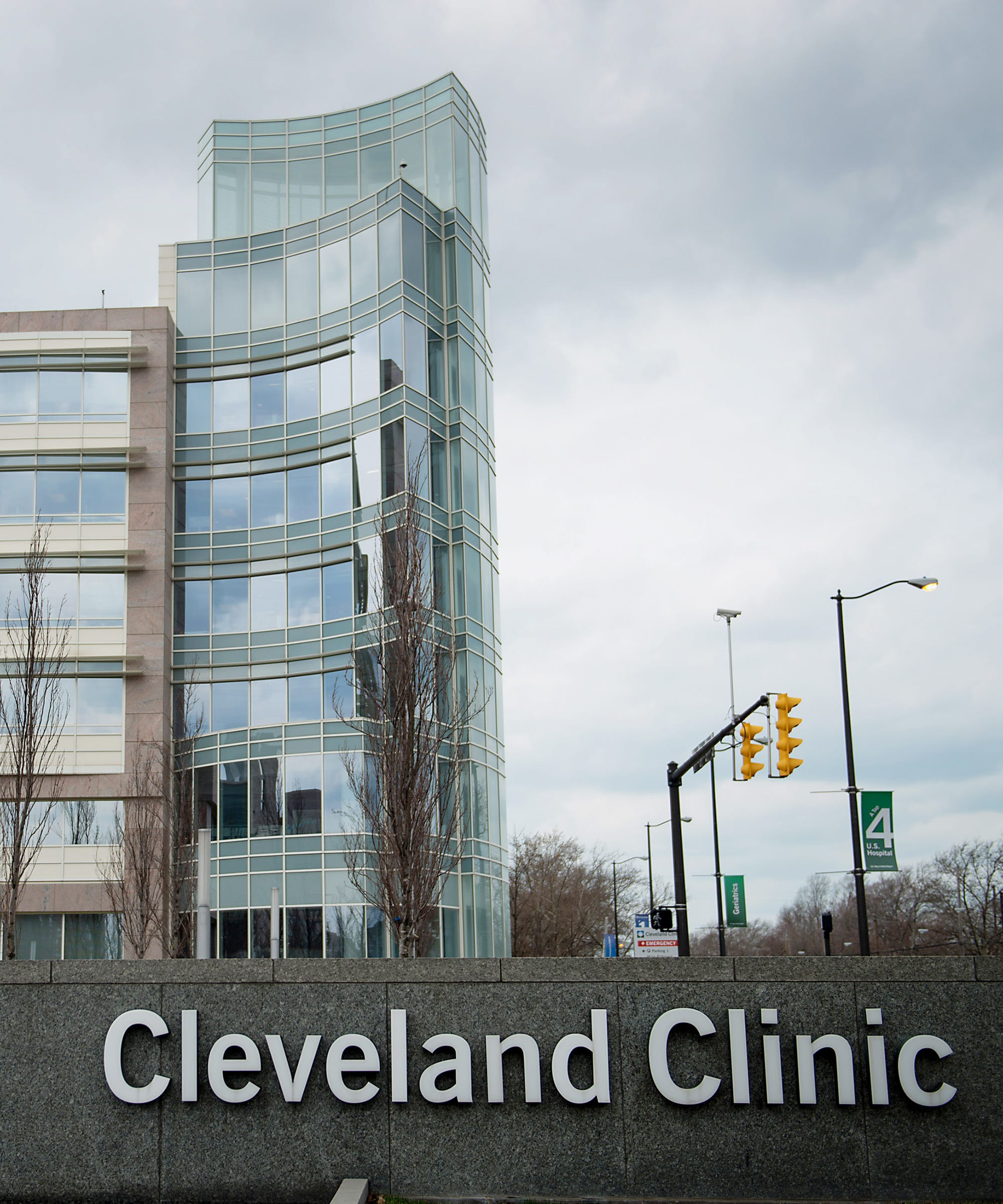 "Cleveland Clinic Doctor Fired After Tweeting She Would Give Jews ""The Wrong Meds"""