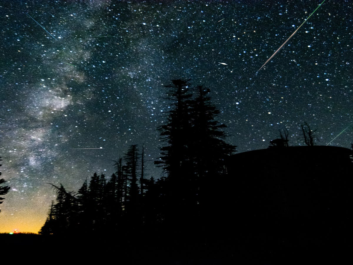 How To See The Gorgeous Meteor Shower Happening This Weekend