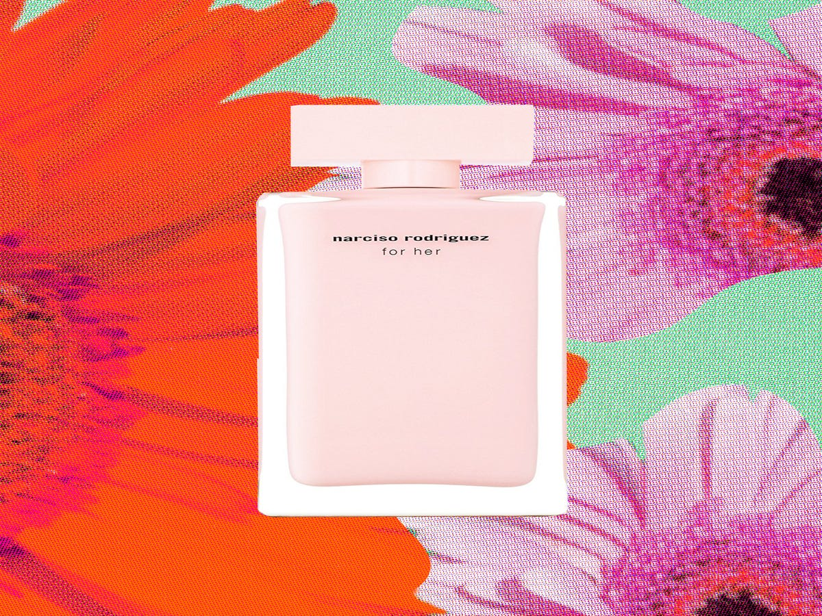 We Wore Our Mom s Signature Perfumes — & This Is What We Thought