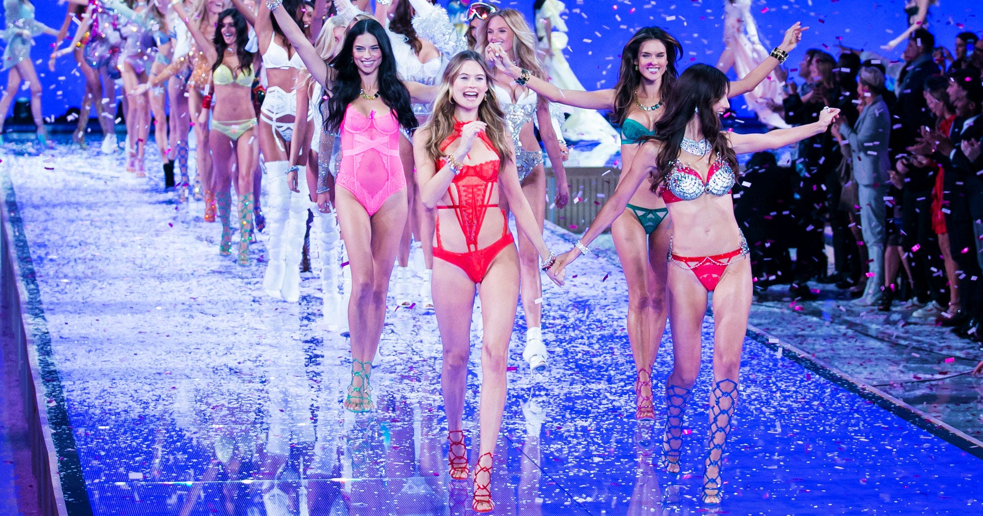 f8de19b855 Victorias Secret Fashion Show Runway Models Photos