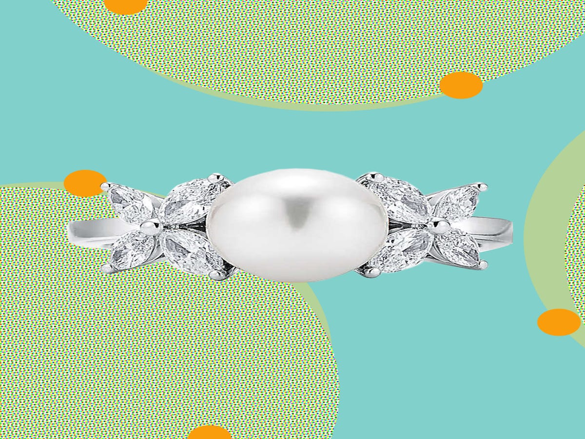17 Pearl Engagement Rings If Diamonds Aren t Your Thing