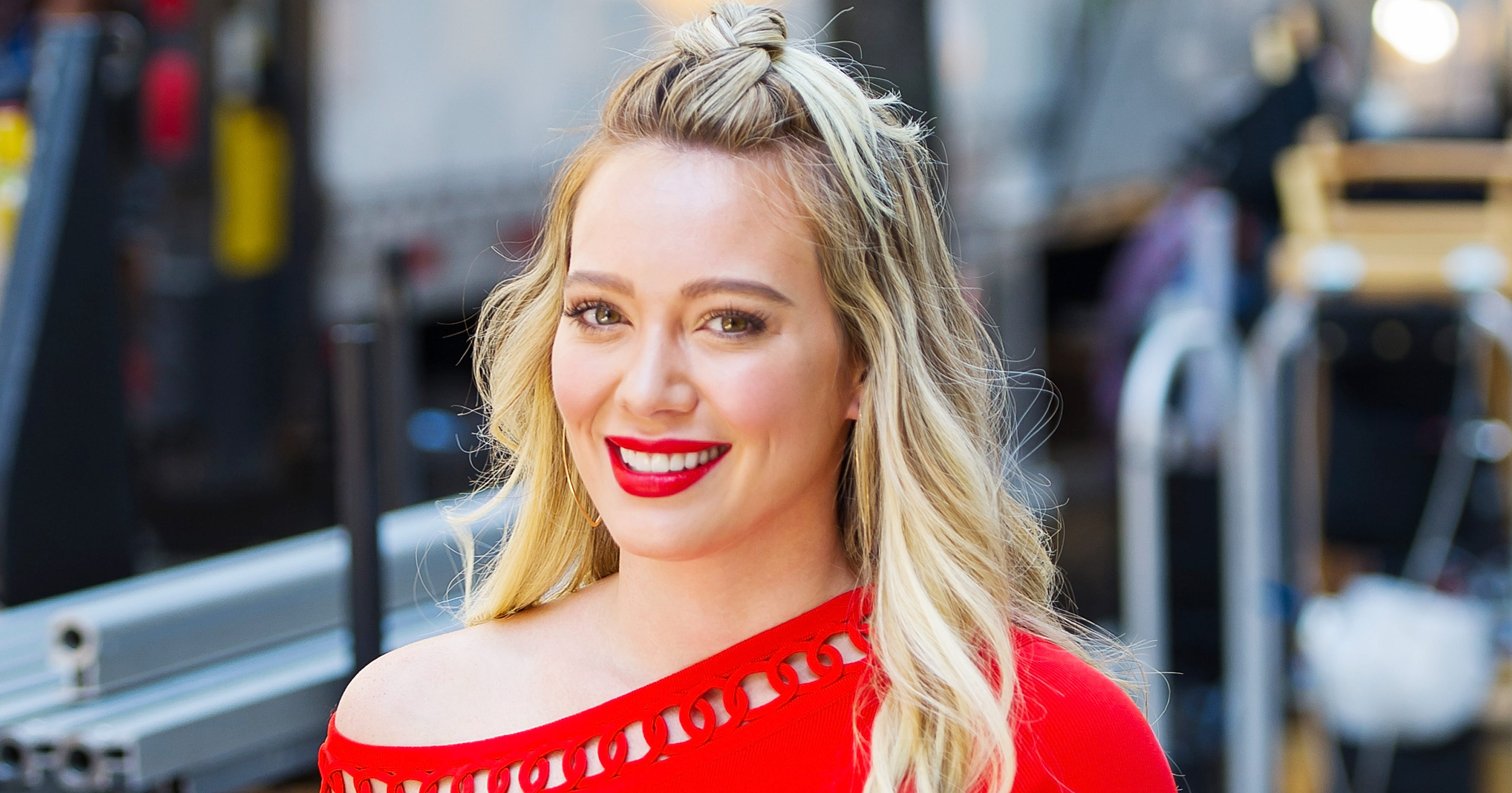 Hilary Duff Is Dragging Her Neighbor On Instagram Stories