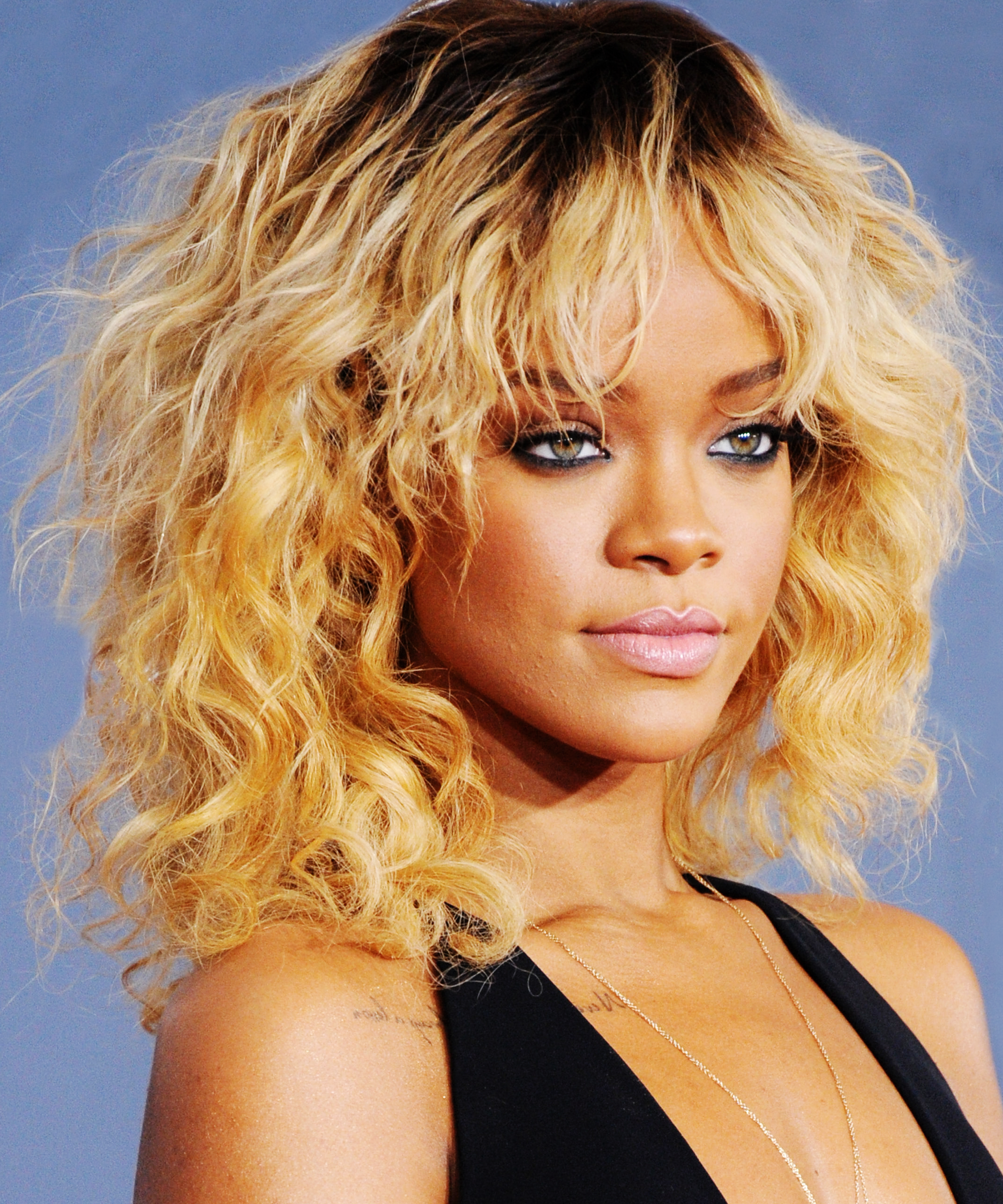 Rihanna Hairstyles Makeup Beauty Looks