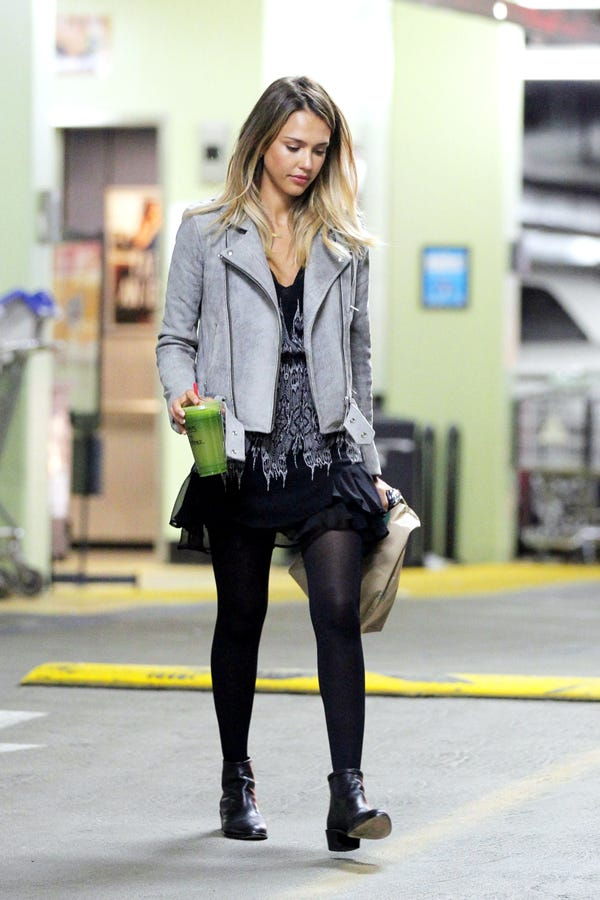 Jessica alba in pantyhose