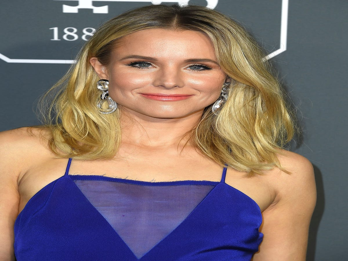 Kristen Bell Is The Latest Celeb To Get 2019 s Hottest Haircut