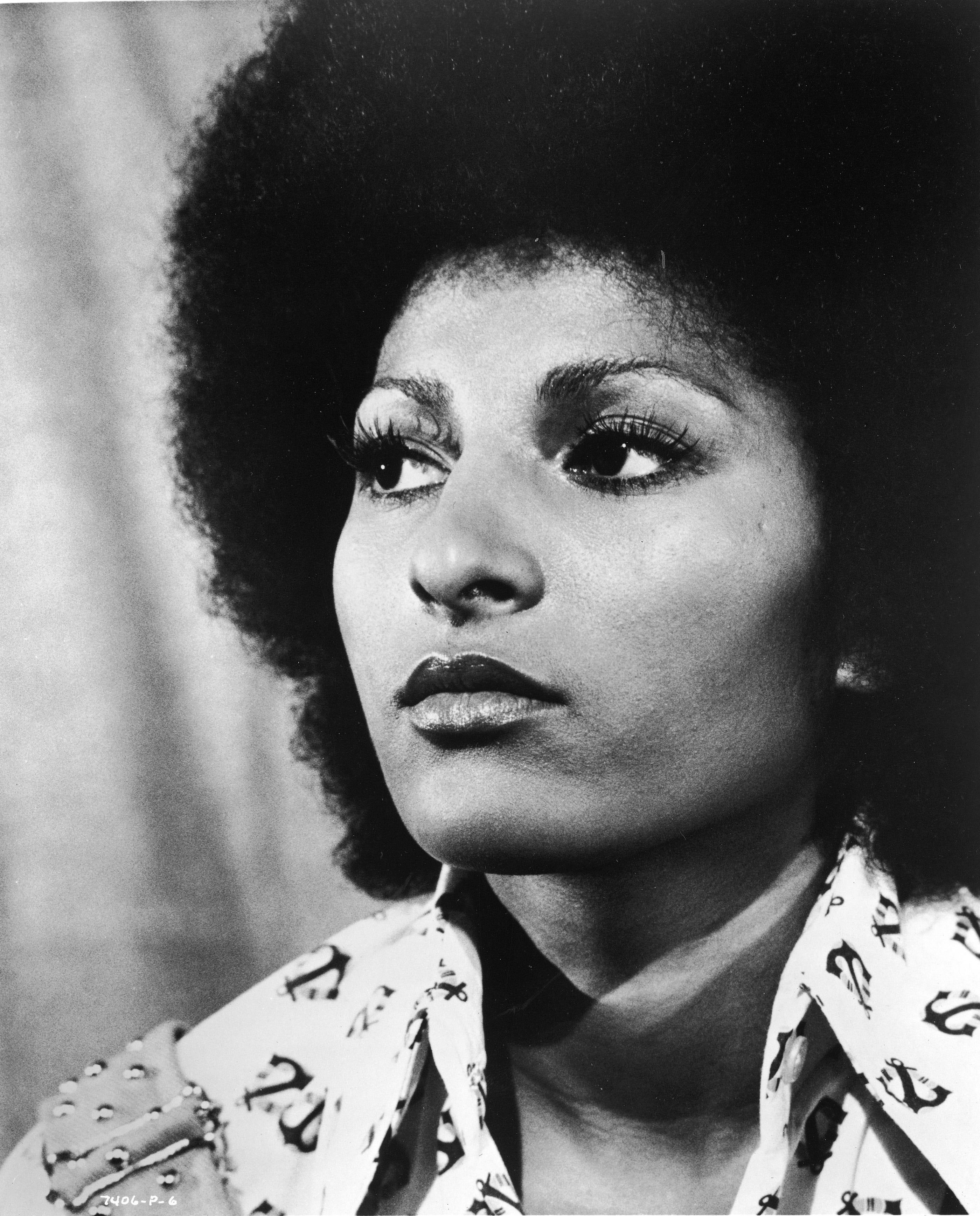 7 schwarze Filmheldinnen, die du kennen solltest