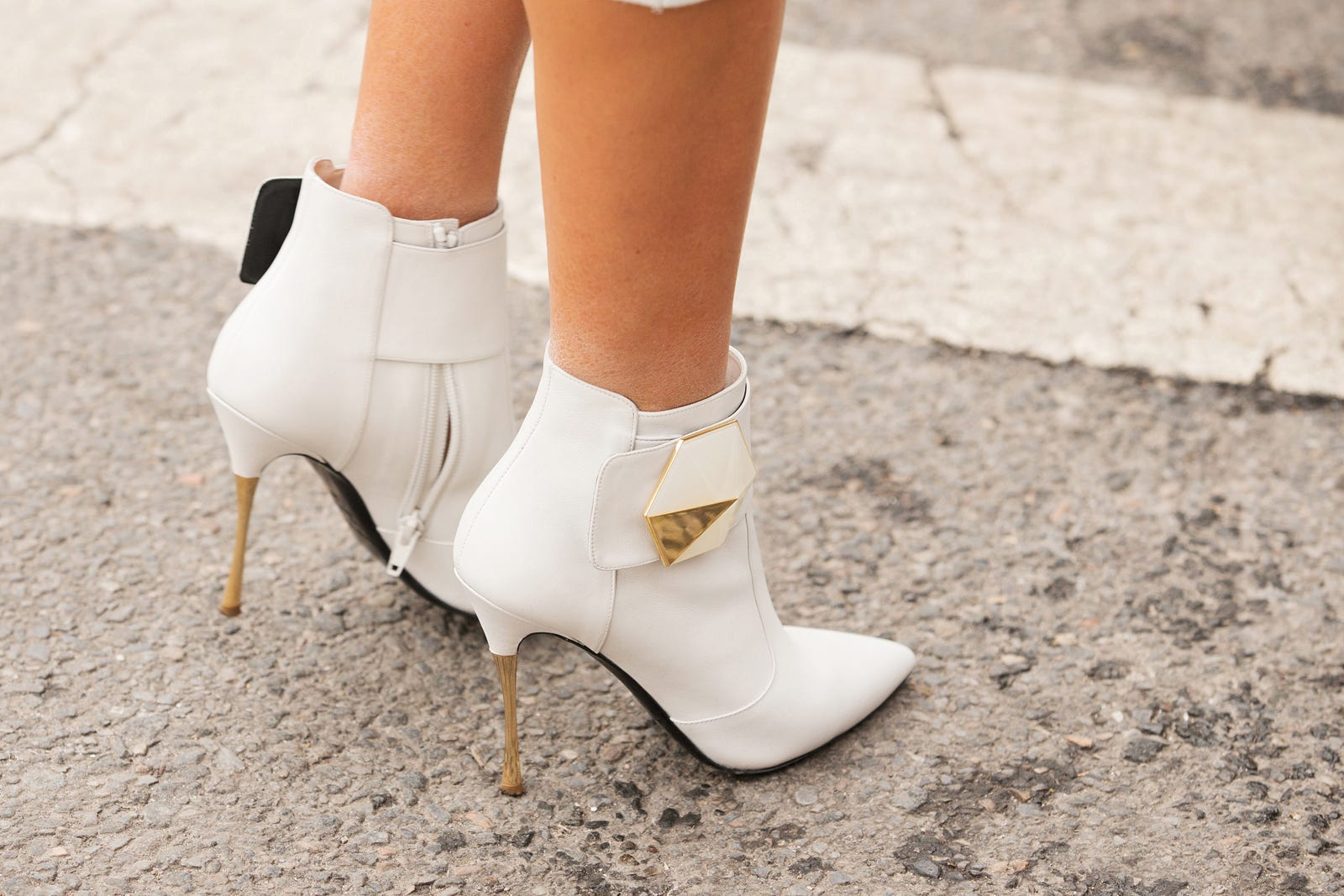 Fashion Week Shoes Winter Heels Boots Sneakers Flash  Olivia Ivory 38