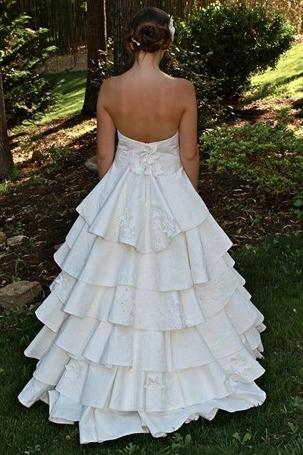 Toilet Paper Wedding Dresses - Cheap DIYs
