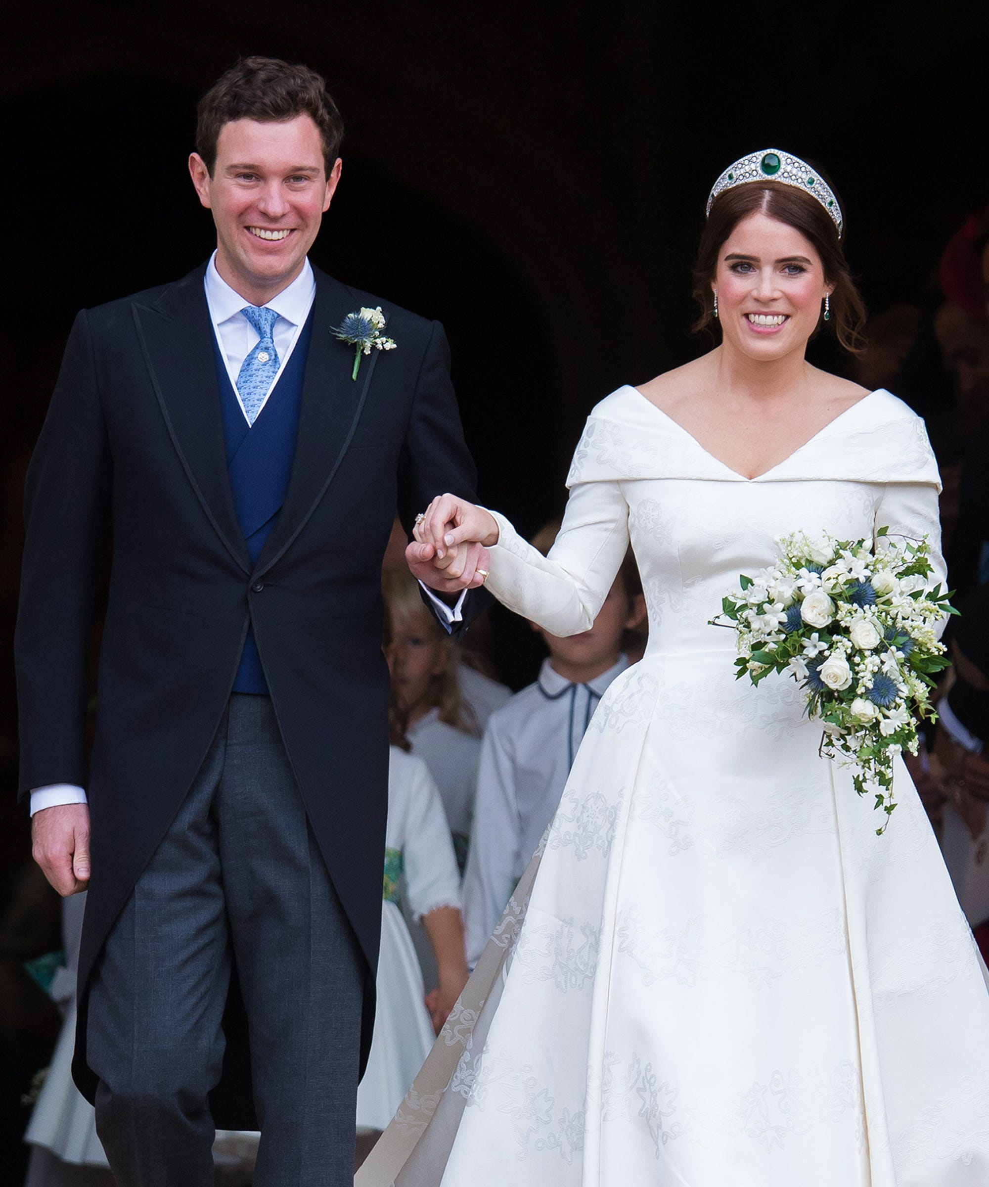 Princess Eugenie's Wedding Revealed Big Differences In British American Traditions: Wedding Dress Booze Funny At Websimilar.org