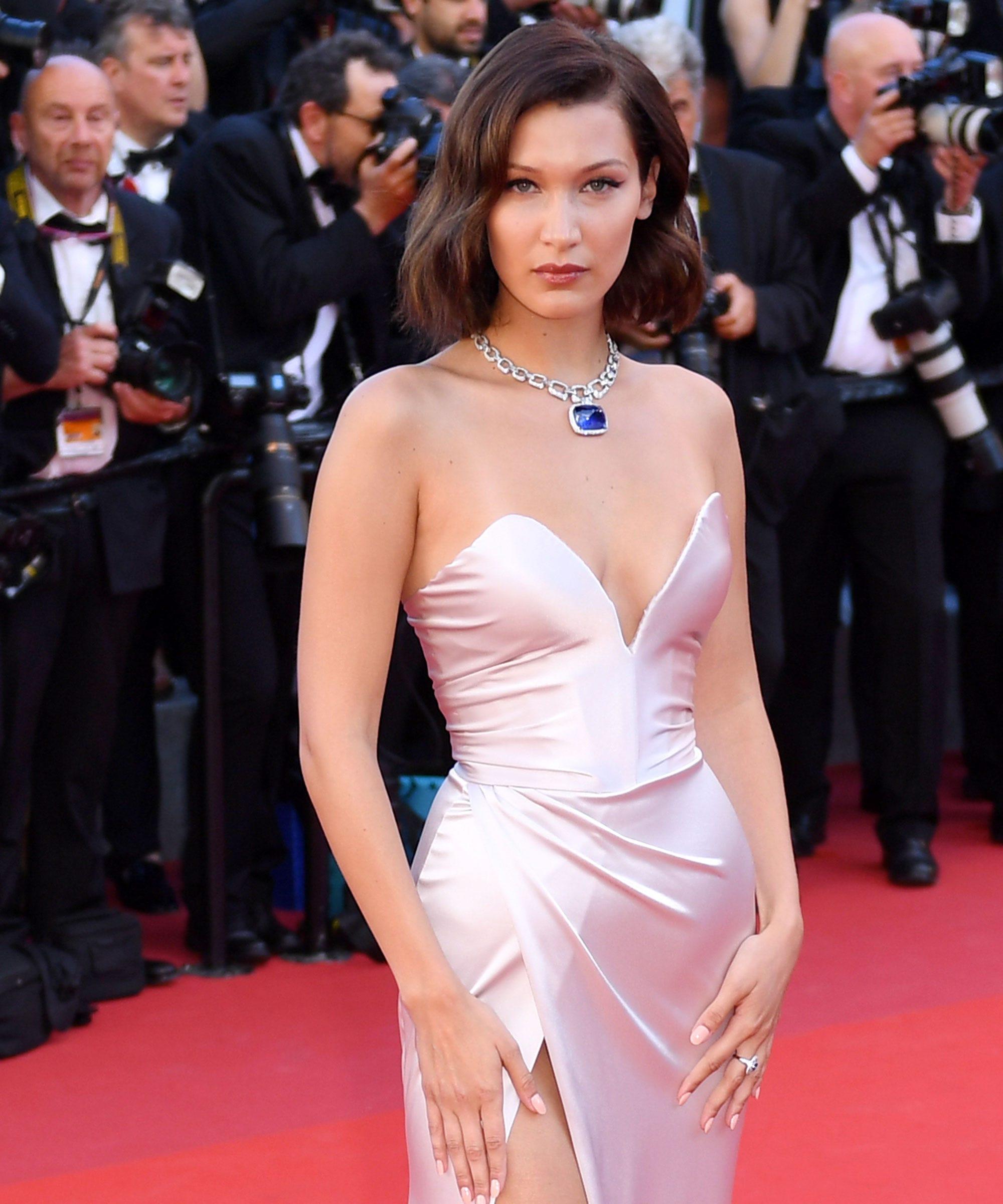 1d80142c52508 Bella Hadid Handles Wardrobe Slip-Up Like A Pro