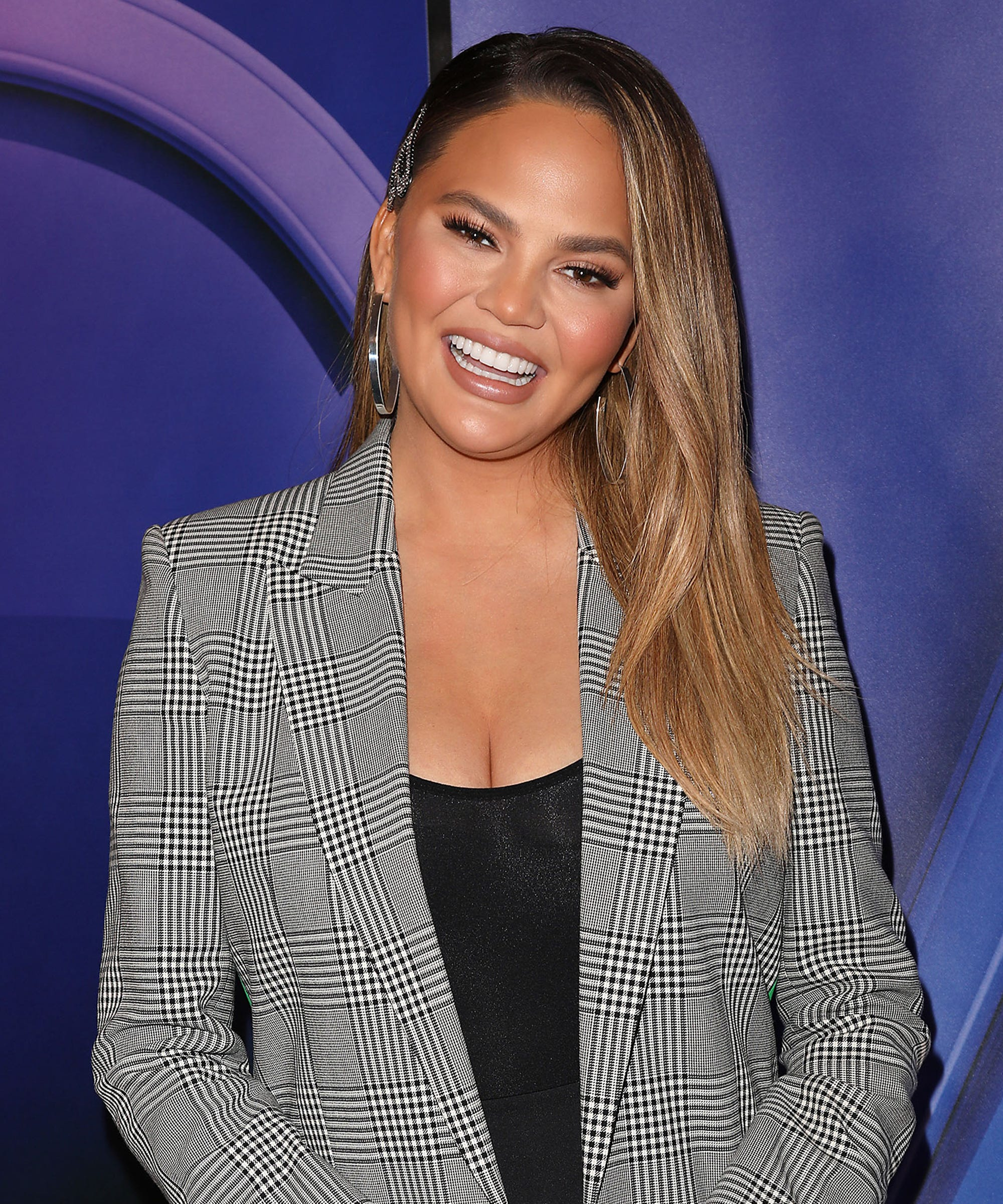 """Chrissy Teigen's """"Pre-Bed"""" Meal Is Going To Change Our Approach To The Midnight Snack"""