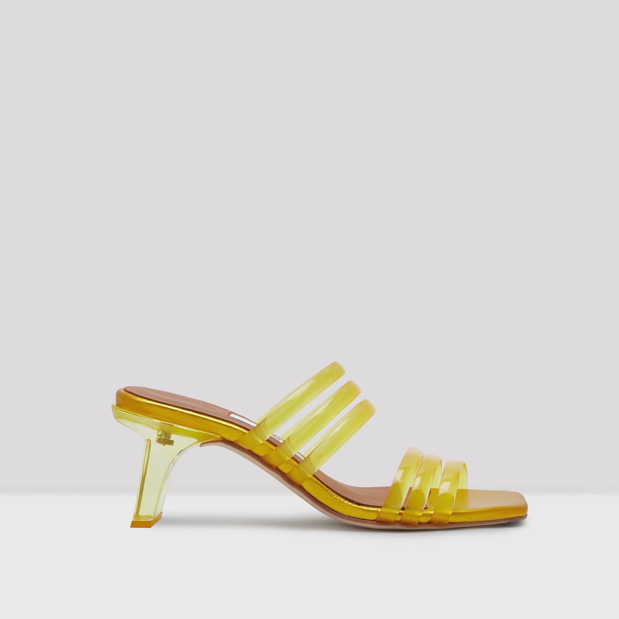 8b1e9eb9a 7 Shoe Brands That Fashion People Love