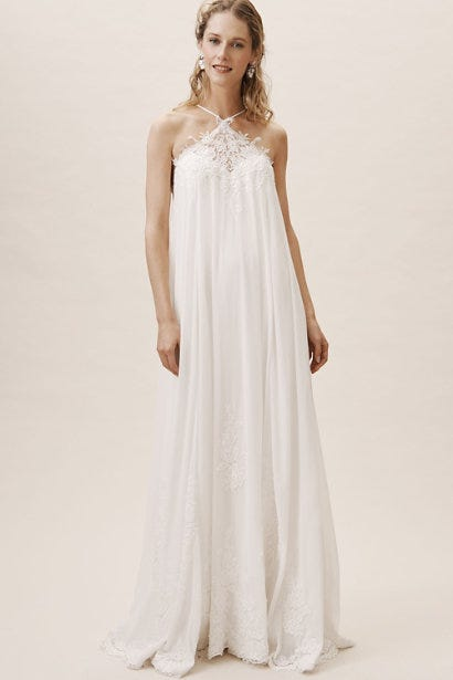 39470ee3e147 Beach Wedding Dresses For Every Type Of Bride In 2019